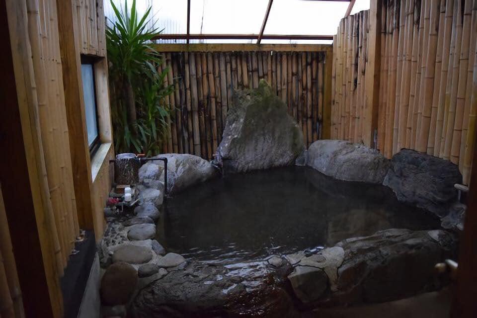 民宿水分村のかけ流しの温泉