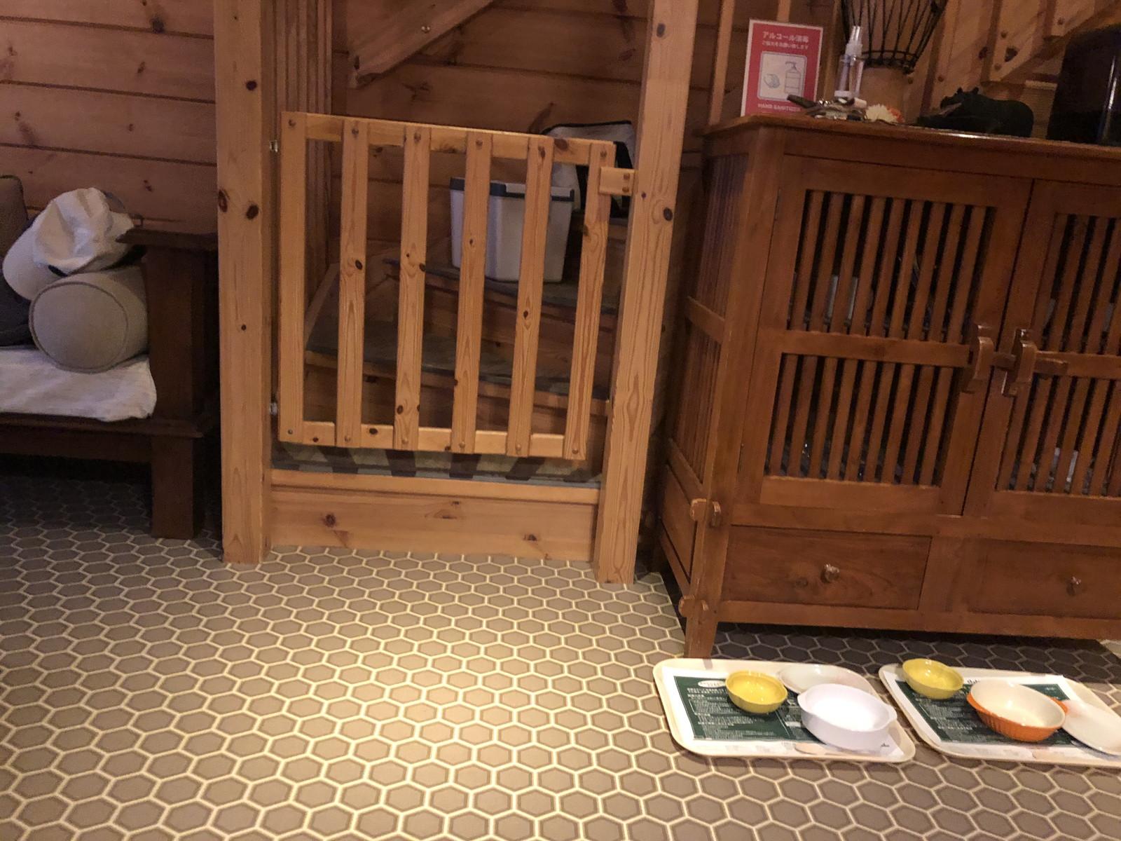 階段にはゲートがあるので安心